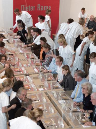 http://www.superquadra.net/files/gimgs/27_dinneramschulberg-dieter-rams-superquadra-stock-07.jpg